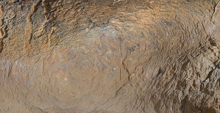 Sector esquerre de la cavitat inferior de Cova Centelles, color real.