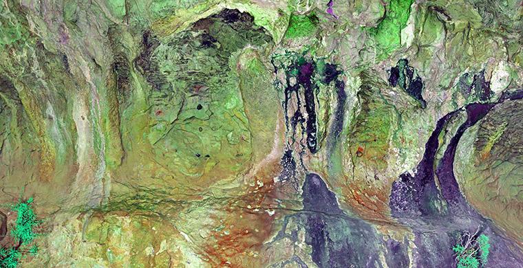Sector izquierdo del abrigo II del Racó de Nando, falso color.